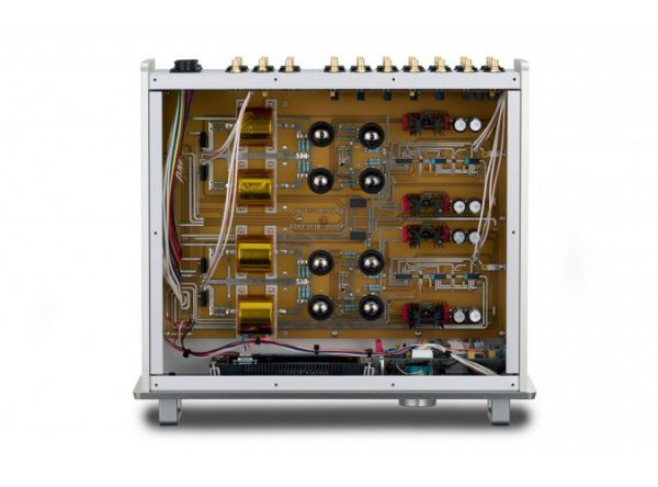 Audio Research Reference 10 Line Stage Preamplifier 675x500 6